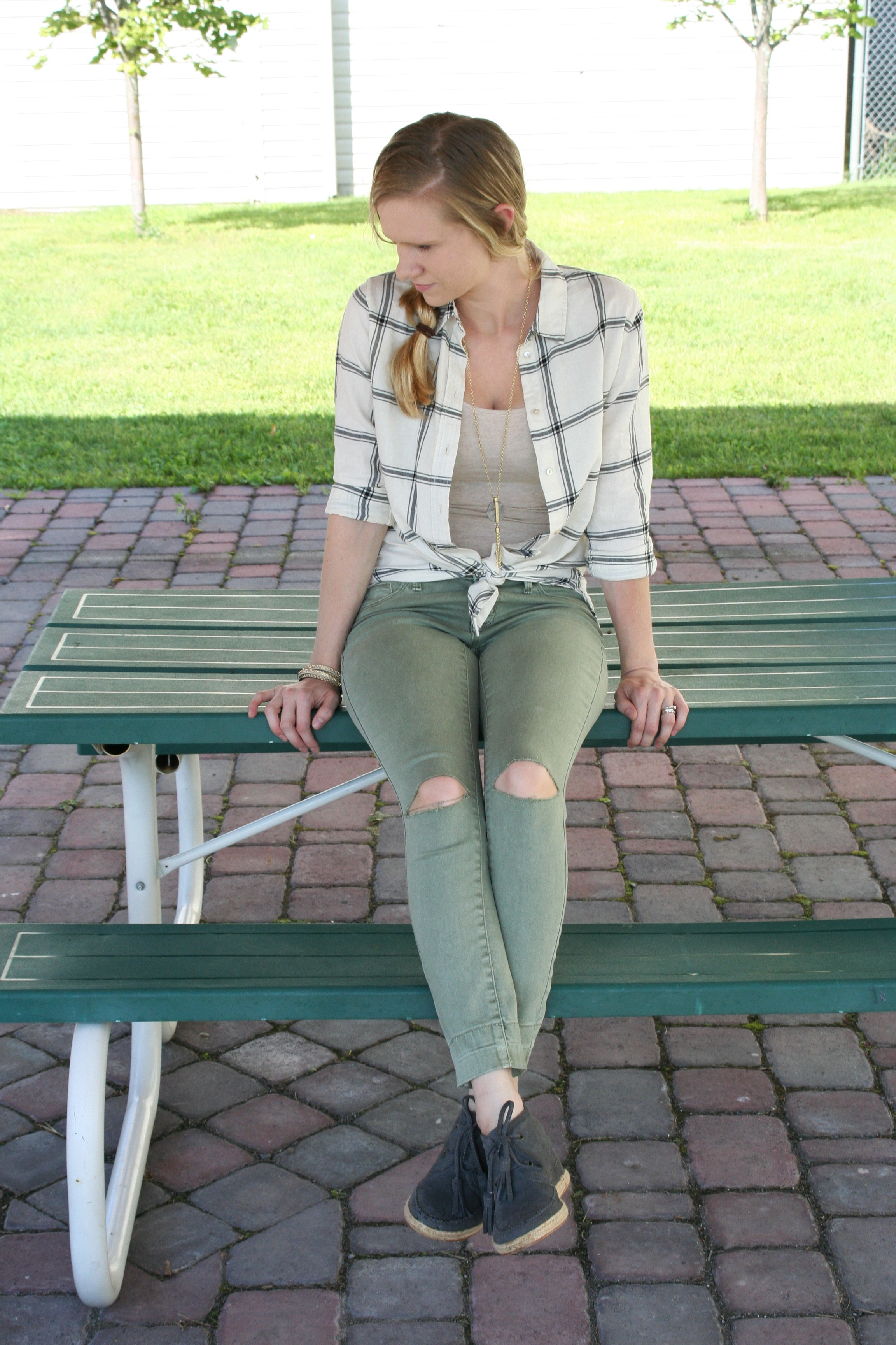 green-pants-and-stripes-9