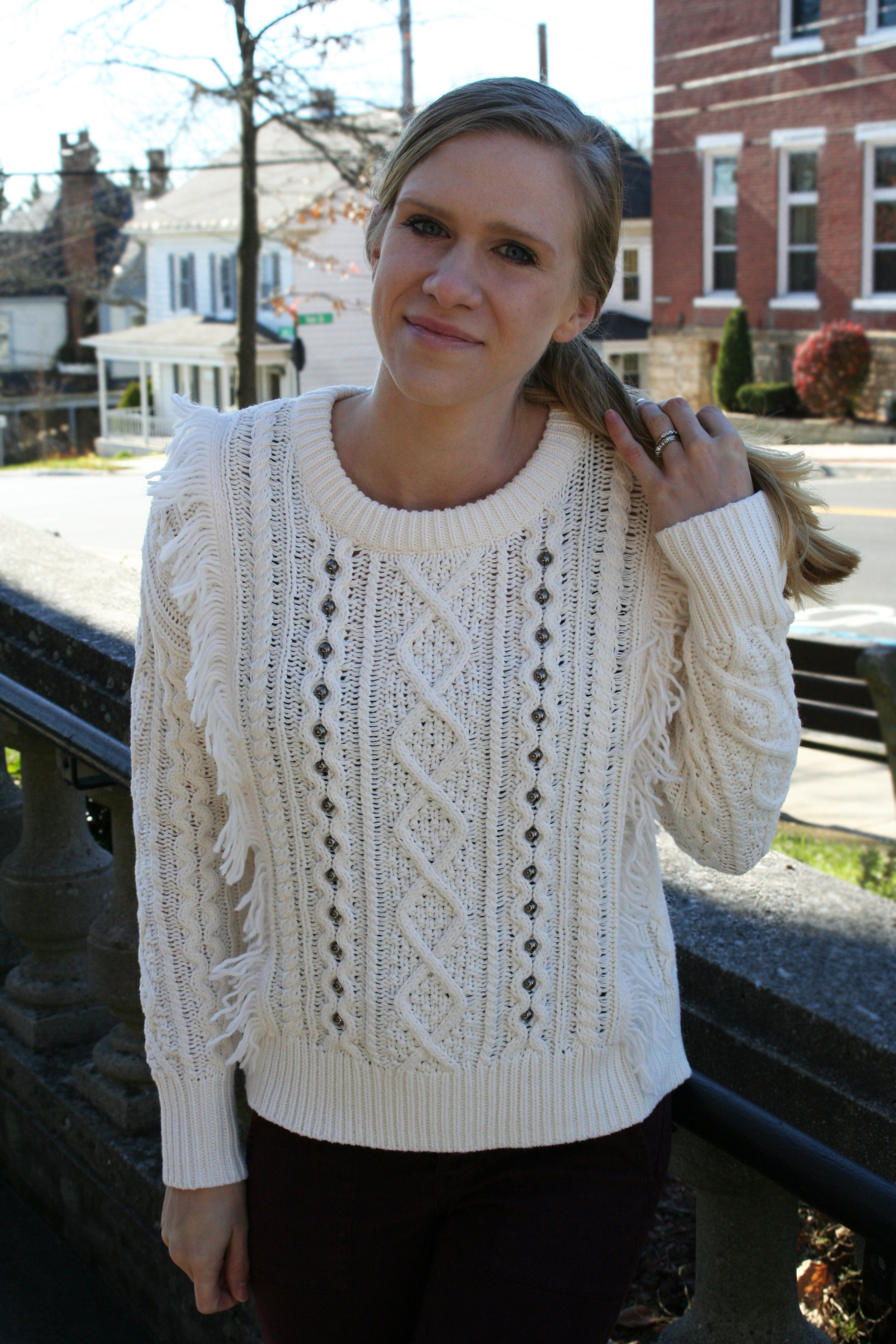 white-knit-sweater-details-3-in