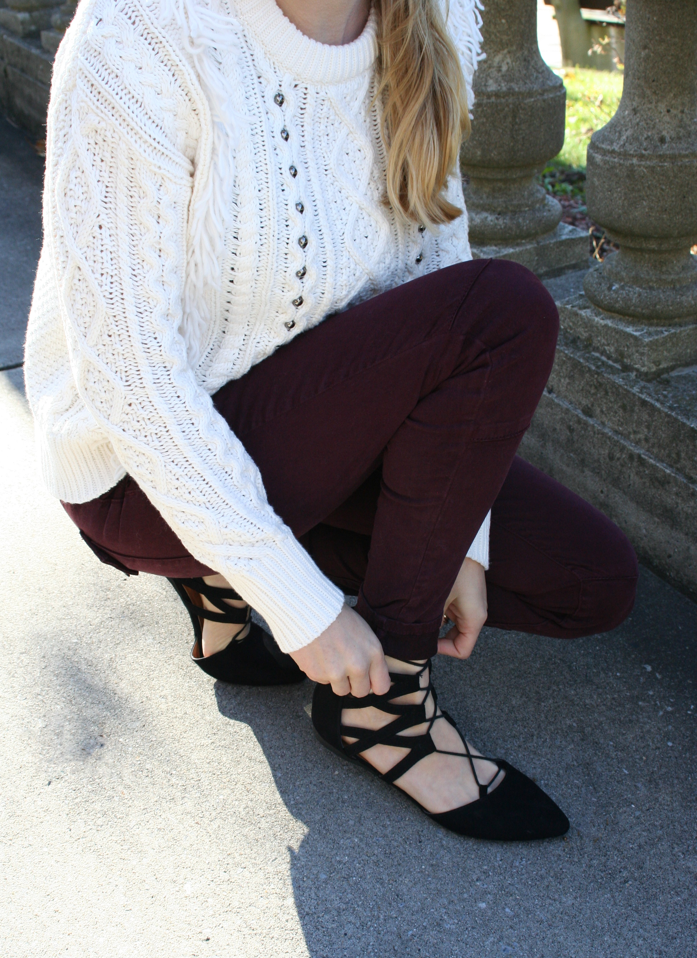 white-knit-sweater-details-in