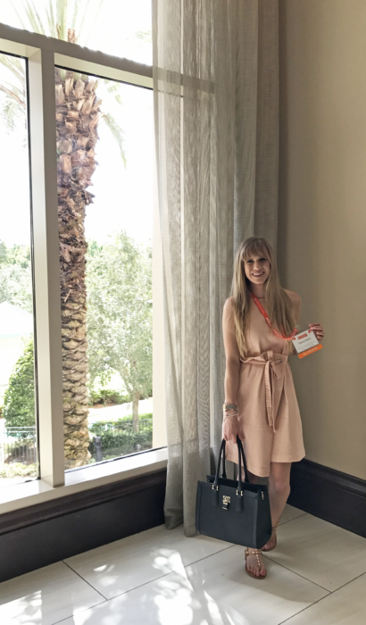 5 Tips To Nail The Professional Conference Style + My BlogHer17 Experience